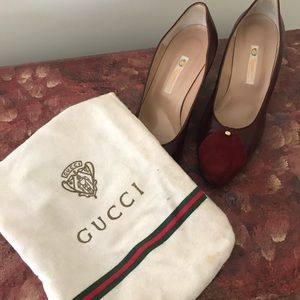 NWOT Gucci leather/ suede pumps size 8